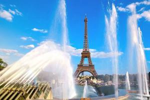 Сезон скидок в Париже начинается летом