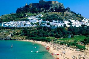 Весь покрытый зеленью остров Родос