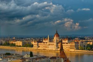«Лето на Цепном мосту» в Будапеште